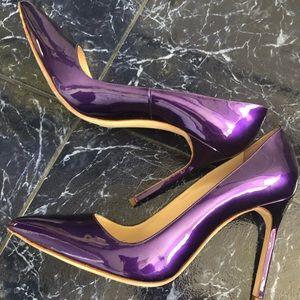Manolo Pearly purple patent pump